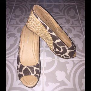 CL By: Laundry shoes size-8 1/2m
